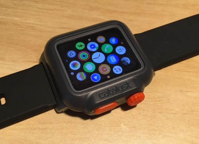 online retailer cda08 0c3e3 This new Catalyst Case can make your Apple Watch waterproof - Tech Guide
