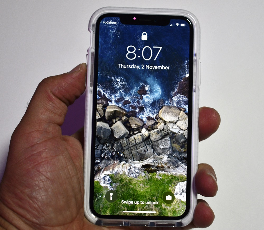 arrives 56bed 88af6 Take a look at the latest cases to protect your iPhone X - Tech Guide